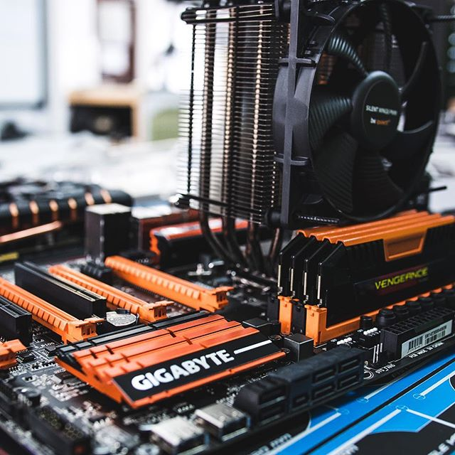 Black and Orange Custom Build! #custompc #linustechtips #blackandorange
