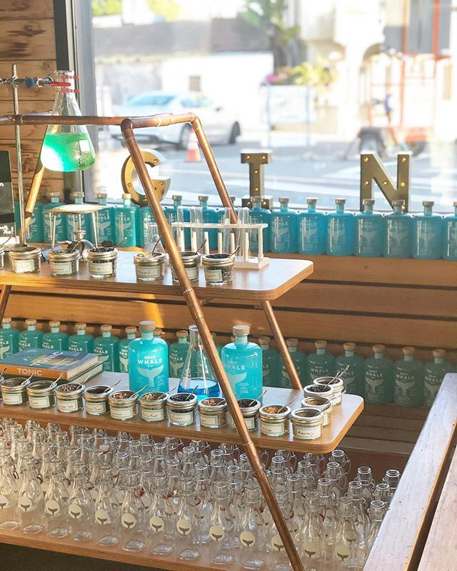Here tonight @playaprovisions with @sofi treating their members to a VIP experience. We're all going on a Gin Journey together, What better way to spend the evening, crafting some gin with us! #WhyISoFi #gin #cheers #playaprovisions #sofi #graywhalegin