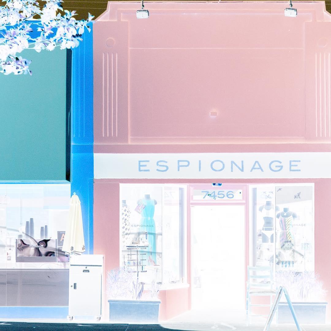 """<a href=""""http://instagram.com/espionagela"""">@espionagela</a>"""