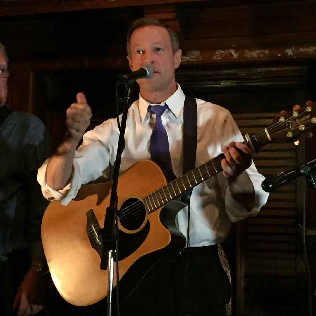 "<a href=""http://instagram.com/martinomalley"">@martinomalley</a>"