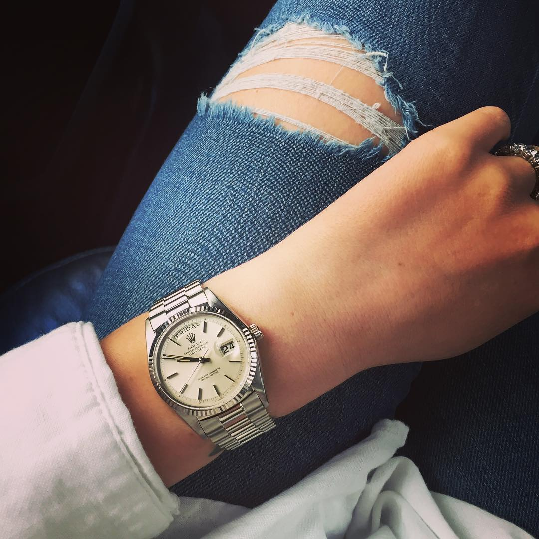 "<a href=""http://instagram.com/its.cara.time"">@its.cara.time</a>"