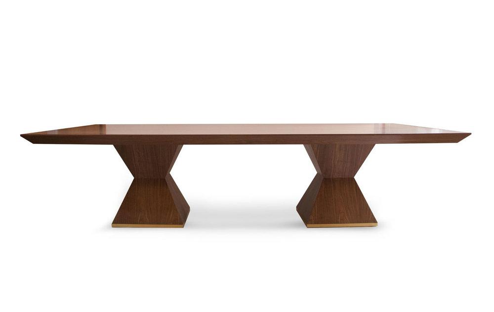 stark-dining-table-01.jpg
