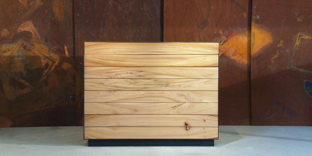 sideboard ulme | schwarzstahl