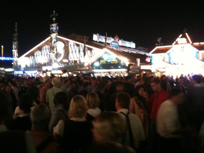 oktoberfest-2011-aka-the-aussie-invasion-6.jpg