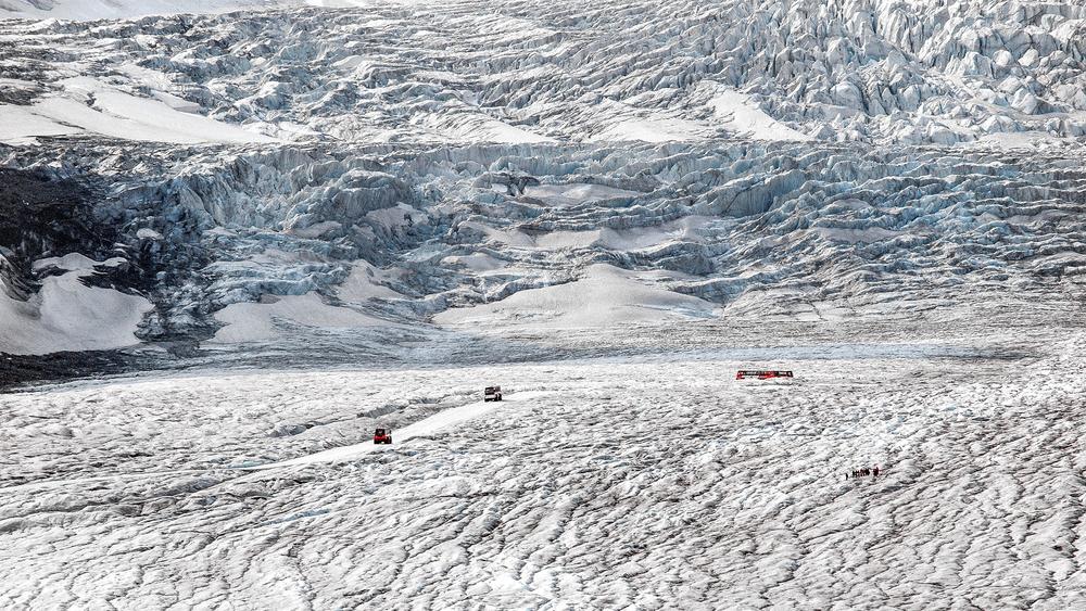 Athabasca Glacier, Canadian Rockies.