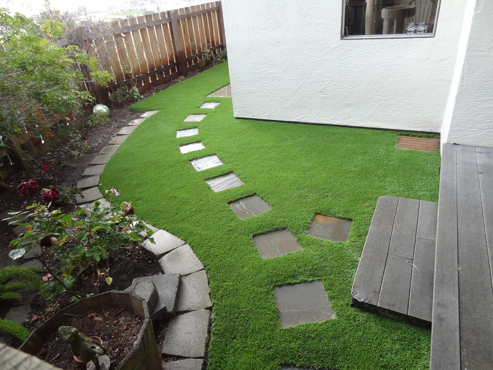 Nice Walkway With Artificial Grass.