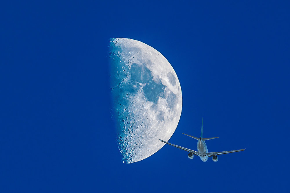737-tail-end-half-moon-comp.jpg