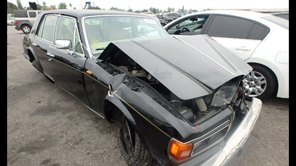 Parting out 1981 Rolls Royce silver spirit