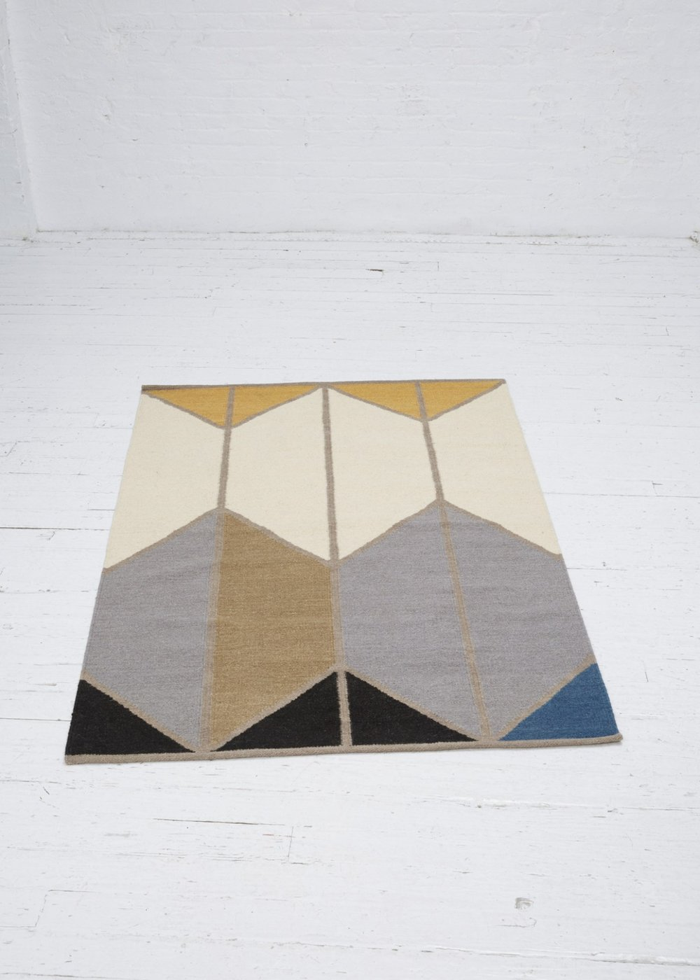 HAWKINS NEW YORK Alyson Fox Shapes Rug 4'X6' $300