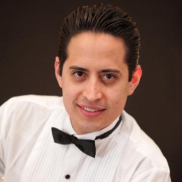 Ricardo Díaz - voz @RickyDiazzz