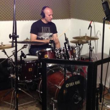 Julio Morán - batería