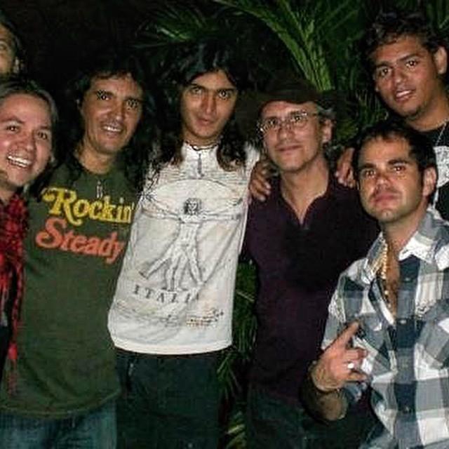 #tbt #musica #concierto #rock #español #lacovacha #pop #grandes #VecinosdelaNoche #EnanitosVerdes #EV #VDLN #show #felipestaiti #marcianocantero #rockstars #rockeros @juampastaiti @jotamorelli  @enanitosverdes @j777flores @alenrojas