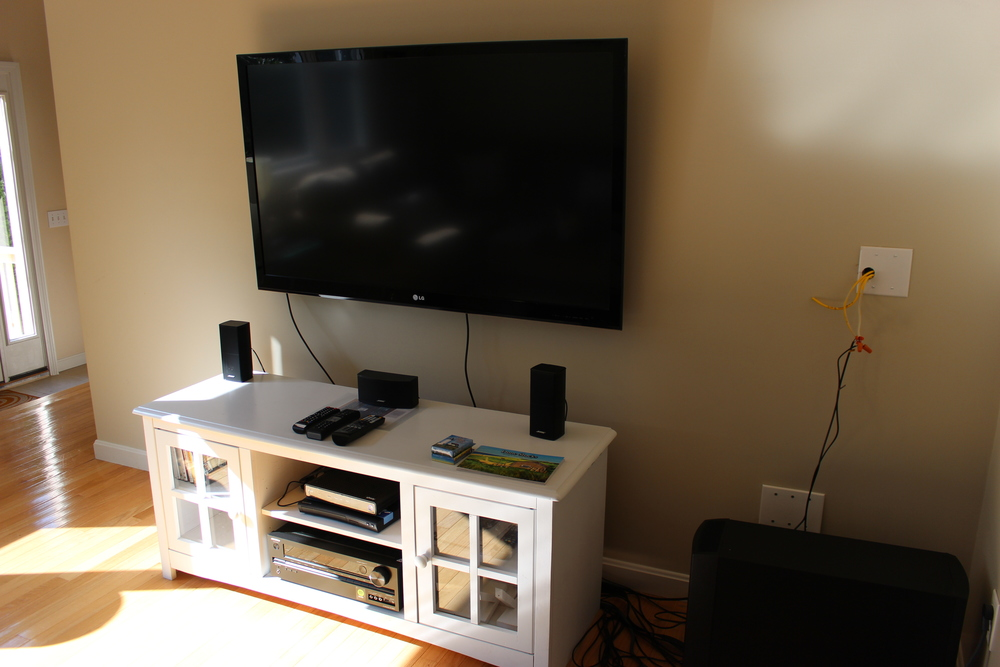 TV stand W speakers.JPG