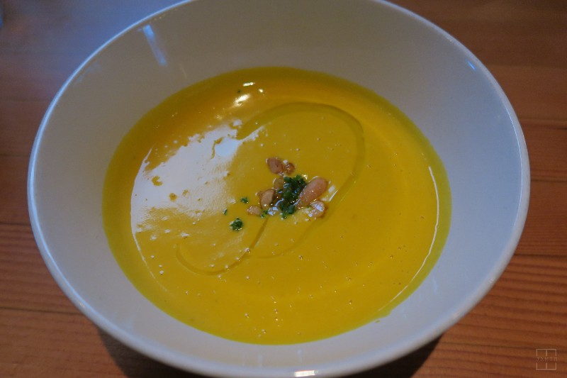 mealswithjamie-travel-seattle-washington-restaurant-week-pomerol-hubbard-squash-soup