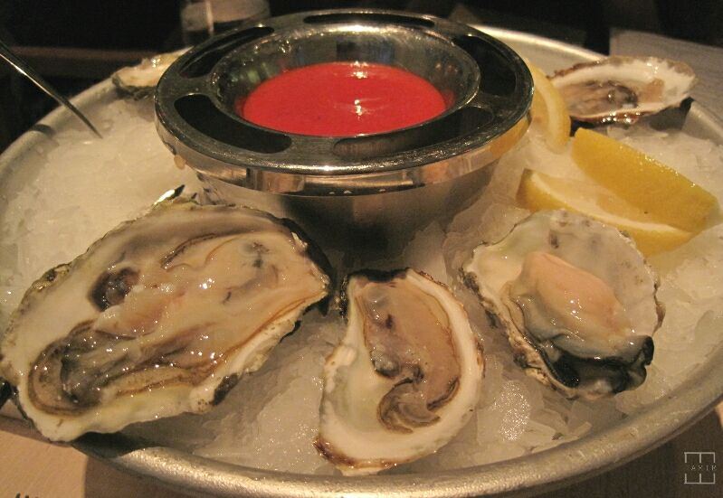 mealswithjamie-fig-and-olive-newport-beach-california-oysters.jpg