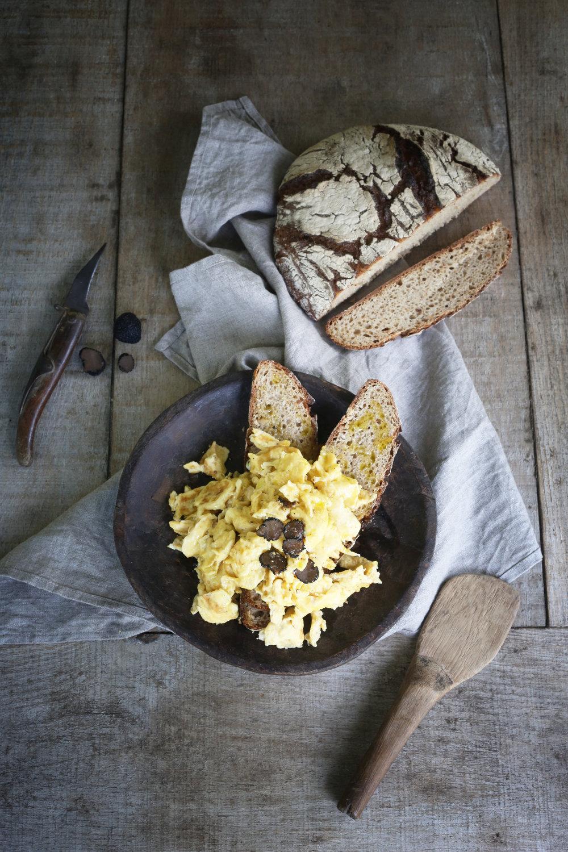 geklutste eieren met geschaafde truffel.jpg