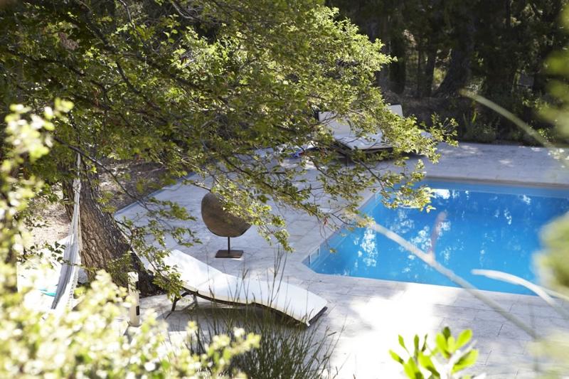 chambre d'hote de champaga piscine.jpg