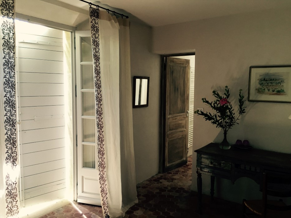 chambres d hotes champaga chambre gabrielle  repos volets clos.jpg