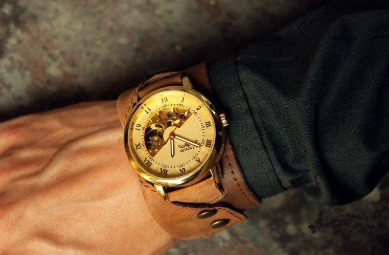 classy wristwatch for men