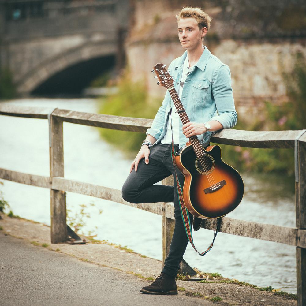 singer-song-writer-winchester-artist-photography-album-cover-Ollie-Wade-20000.jpg