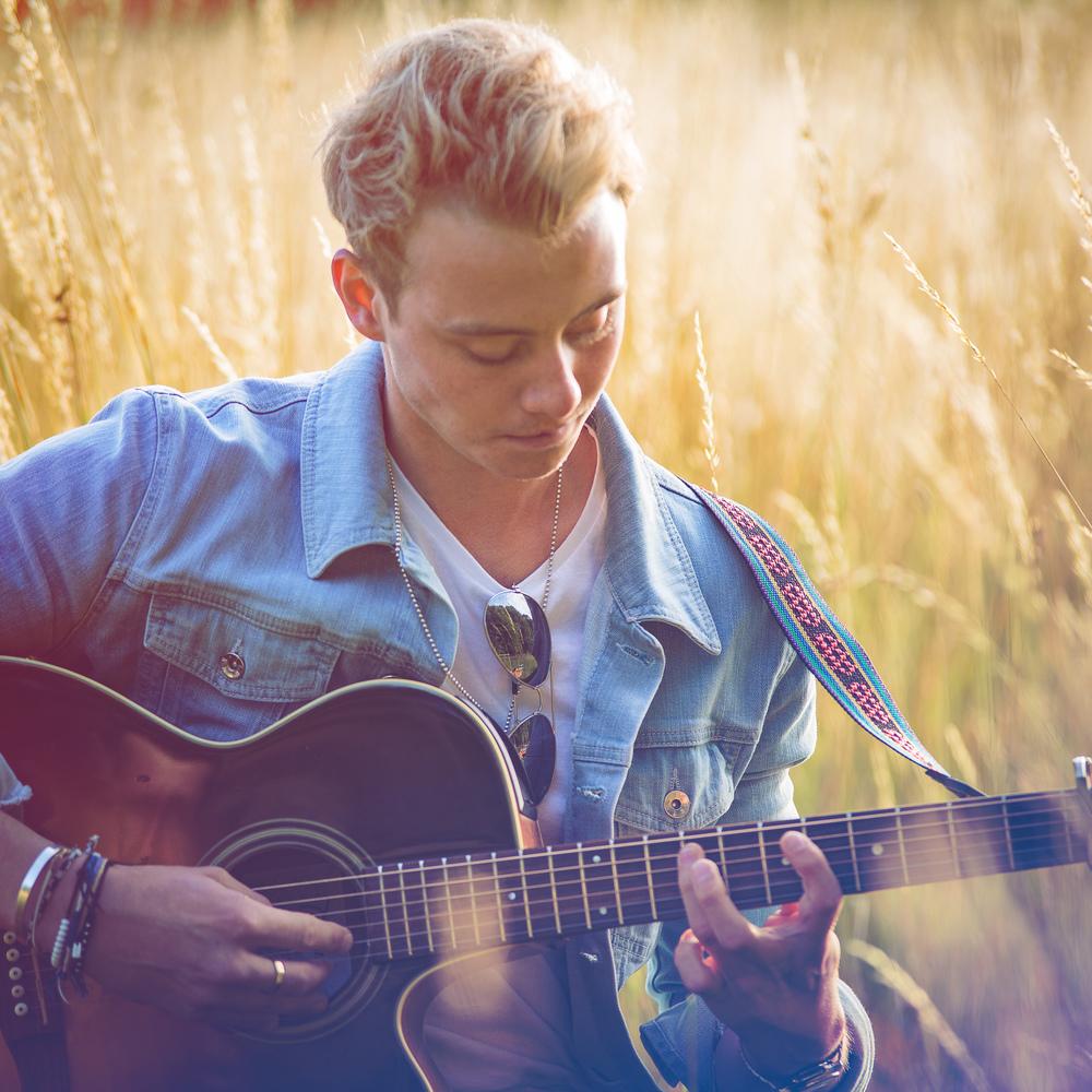 singer-song-writer-winchester-artist-photography-album-cover-Ollie-Wade-30008.jpg