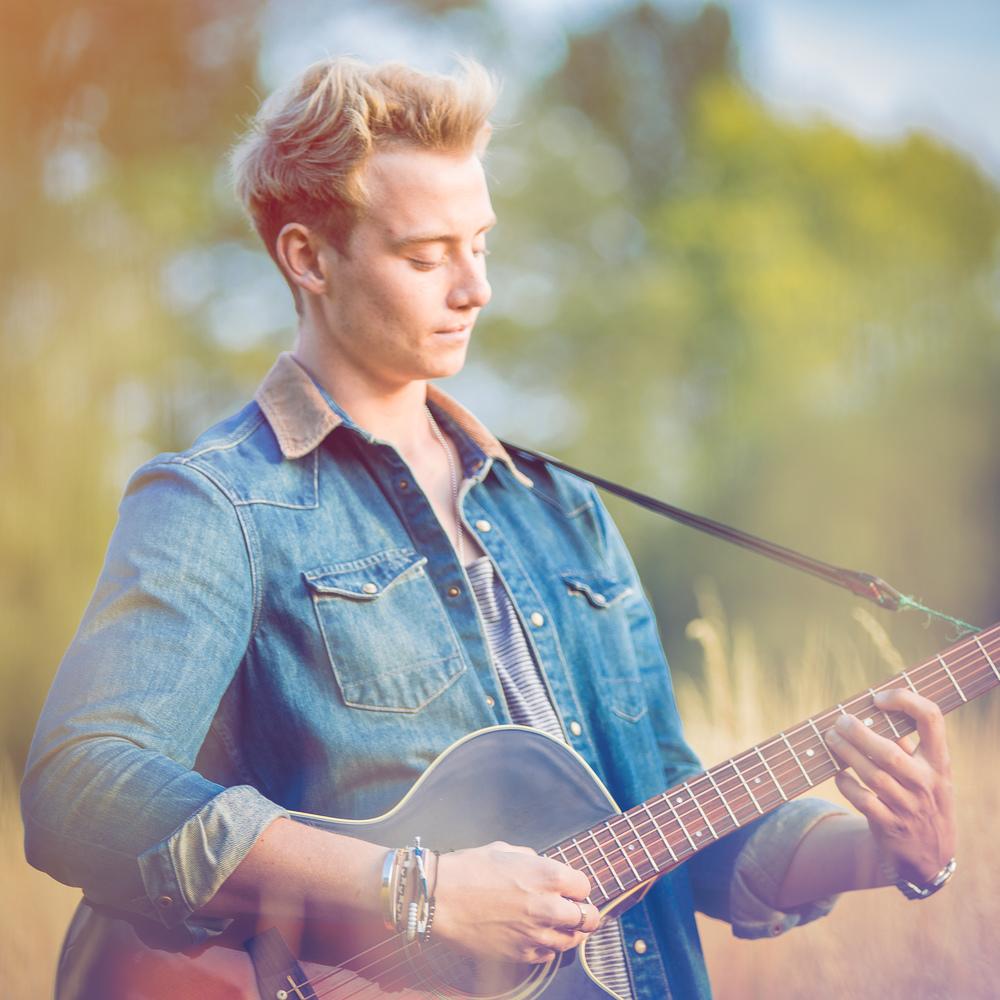 singer-song-writer-winchester-artist-photography-album-cover-Ollie-Wade-30018.jpg
