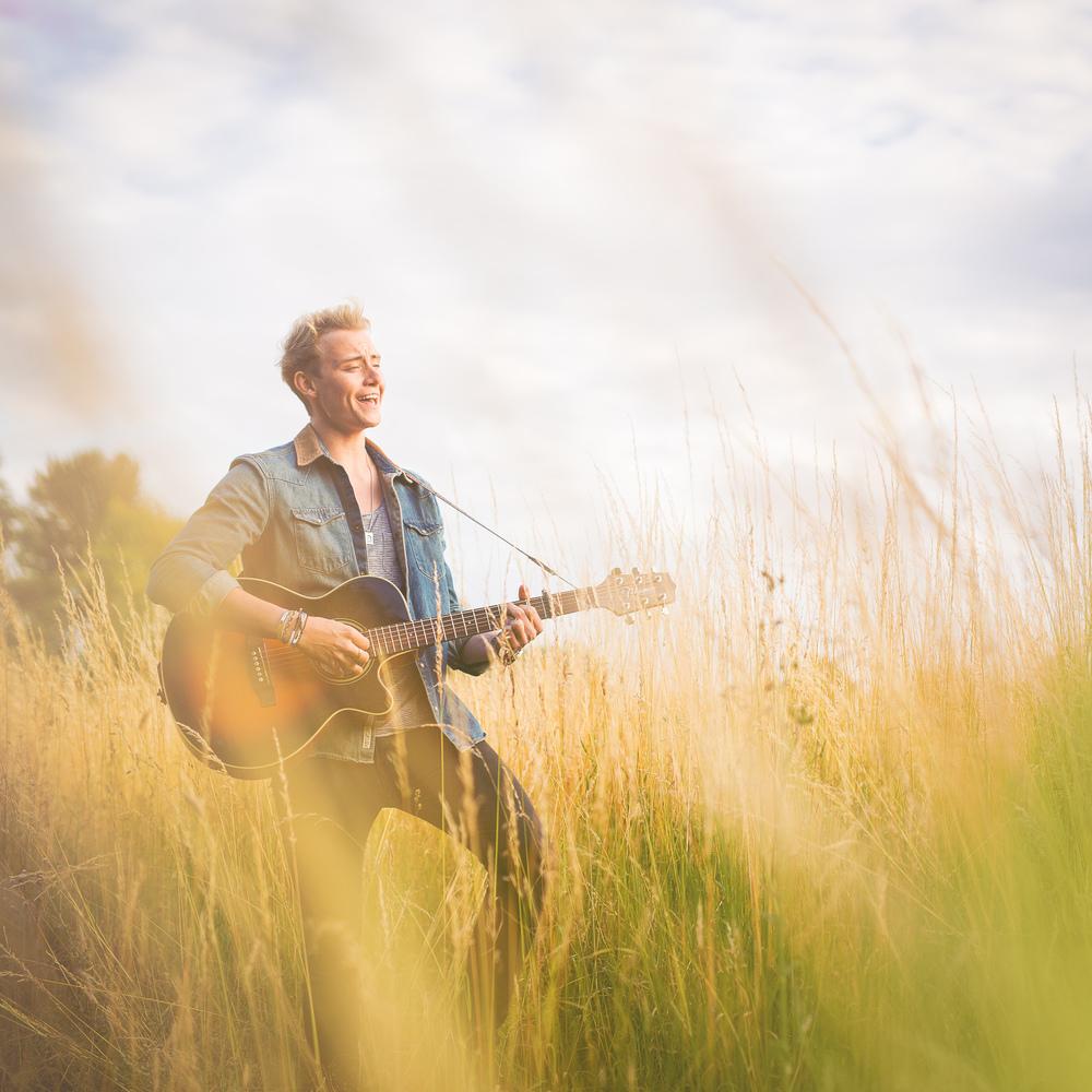 singer-song-writer-winchester-artist-photography-album-cover-Ollie-Wade-30021.jpg