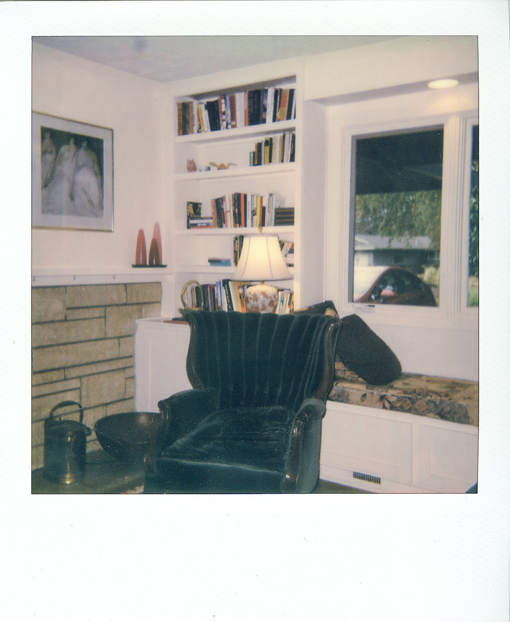 polaroid living room001.jpg