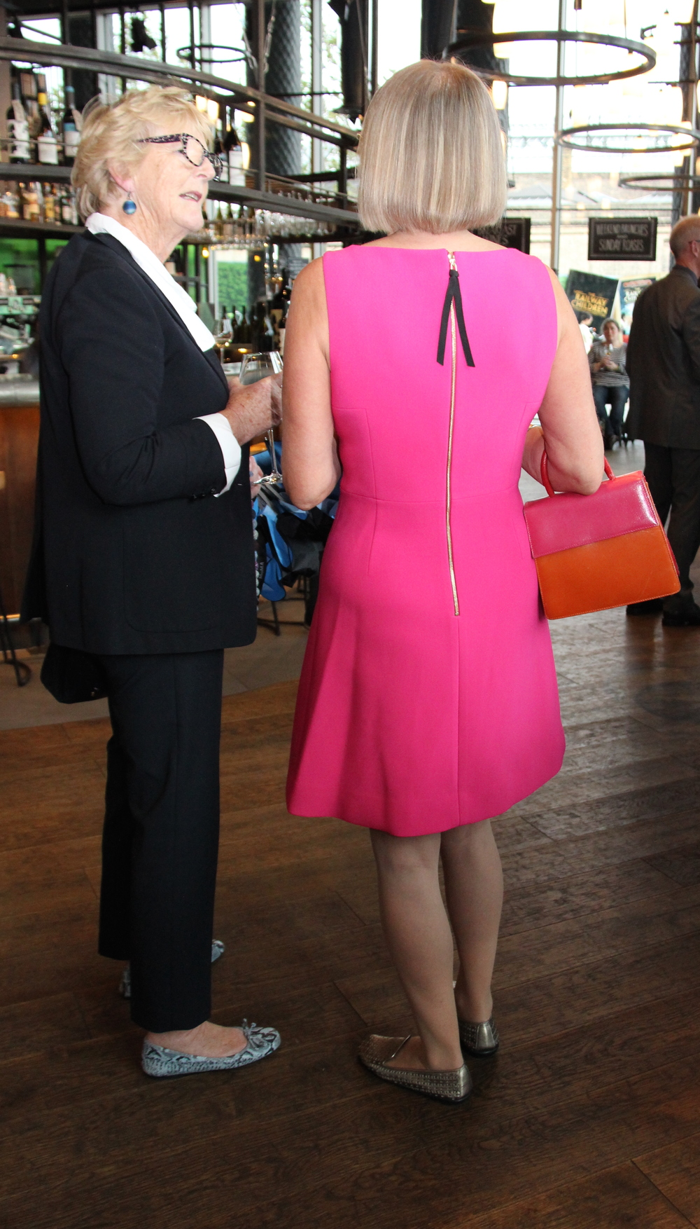 Lady Primrose Bell chats to Jancis, whose dress colour was no coincidence - it matches the book jacket
