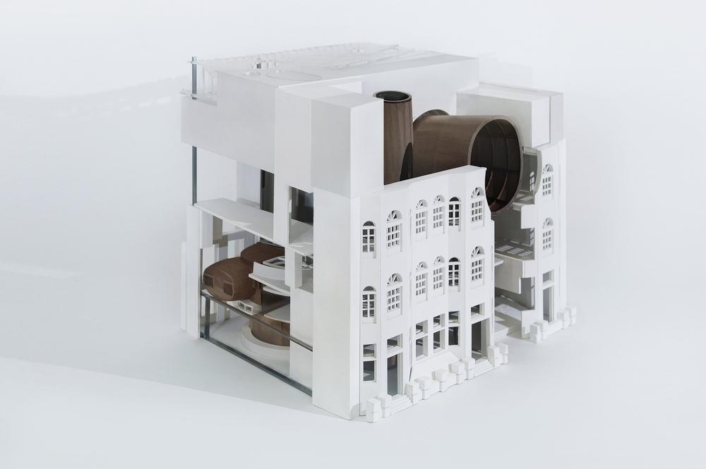 model compact.jpg
