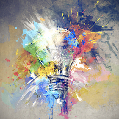 Creatividad aplicada a nuevos Modelos de Negocio. - Uno de los retos más importantes que acompaña a la transformación digital es la necesidad de encontrar nuevos modelos de negocio con la estructura existente. Ahí es donde la creatividad para crearlos es la clave. La tecnología por si misma no es suficiente. Sólo es una herramienta por lo que tener un método innovador es fundamental.Objetivos:Identificar el valor de los nuevos modelos de negocio en la era digital. Aprender un método altamente creativo y efectivo en diseño de servicios. Adquirir los conocimientos suficientes sobre Transformación Digital que permita prepararse para la disrupción del propio sector.Programa:Diferencias entre digitalizarse y transformarse digitalmente.Los cuatro territorios de la Transformación Digital.¿Cómo identificar el estado de digitalización en tu propio sector?¿Cómo medir el riesgo de disrupción en tu negocio?Diseño de una hoja de ruta de la Transformación Digital.Metodología 'disrupt think' para innovar en modelos de negocio.Aprende a aplicar el método 'disrupt think' para pensar creativamenteTaller práctico.Metodología:Sesión en grupos de entre 16 y 32 personas. Duración de 6 horas en una sola jornada. Se aporta material de consulta.