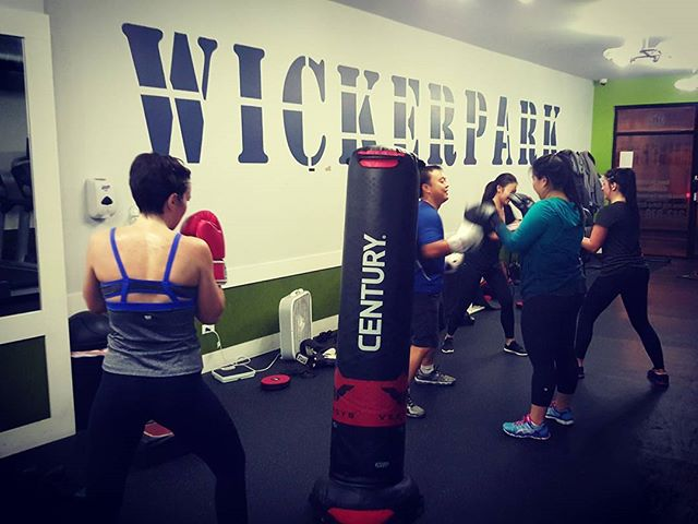 Group Classes Monday & Wednesday 6:30 p.m. #boxfitfight #boxingbootcamp #groupclasses #wickerparkfit #bucktownfit #chitownfit