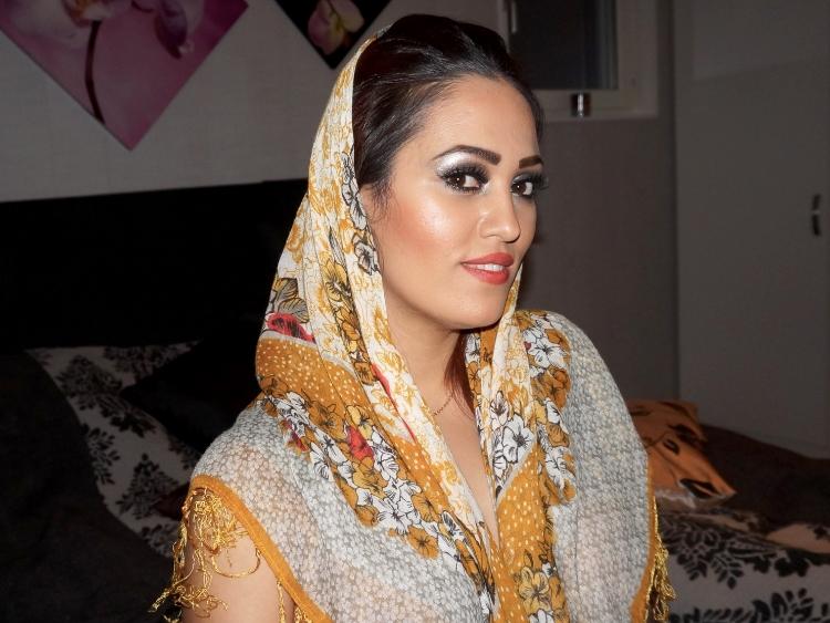 Så här fusk-bär många kvinnor i Iran slöja nuförtiden