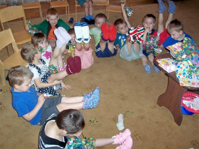 Prolisky_Kids_with_Nonnas_Slippers[1]-1.JPG