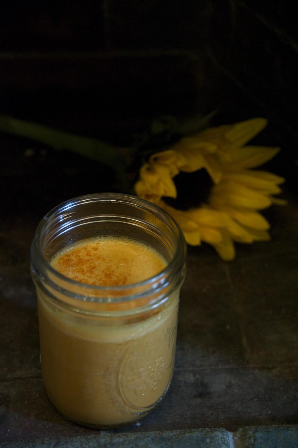 turmeric nutmilk banana heaven..
