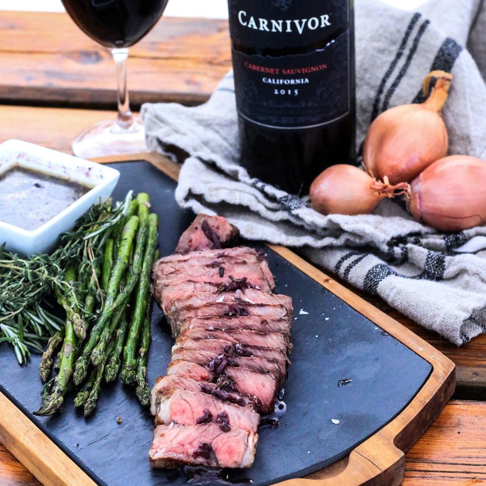 Perfectly Grilled Sirloin Steak with Red Wine Sauce