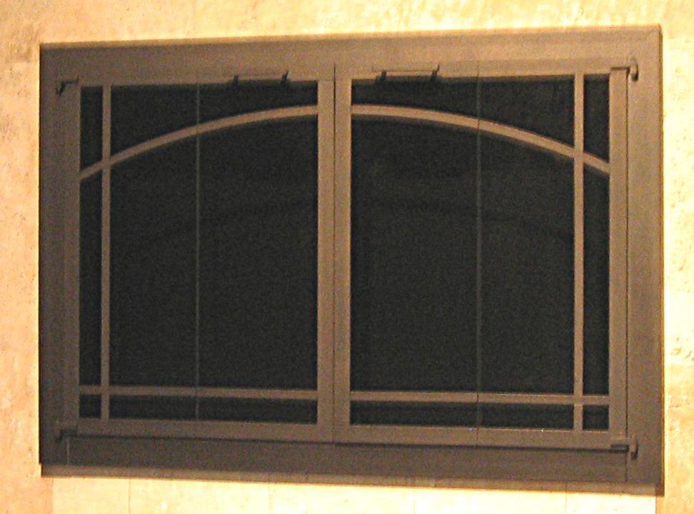 original arch wnidowpane w/ ctr bar