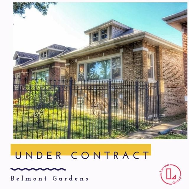 🎄Merry Merry! Our buyers will be #homeowners before Christmas! . . . . . . . . . . . . . . . . . . #undercontract #sellingchicago #buyersagent #singlefamilyhome #levinegroupchicago #househunting #chicagorealestate #Belmontgardenschicago #kellerwilliams #loft #loftstyle #lgcsold #realtor #chicagorealtor #firsttimehomebuyers #perfecthome #perfecttransaction #chicagohomes