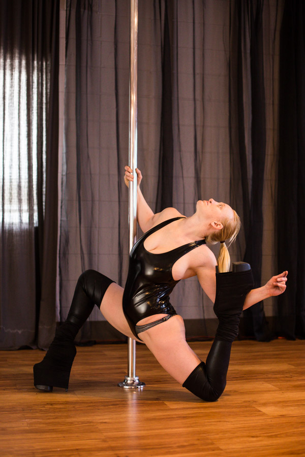 Knockout_Bodies_pole_dance_fitness_whippoorwill_photography-6998.jpg