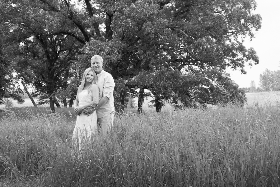Whippoorwill Photography Outdoor Engagement Photography New London Minnesota4.jpg