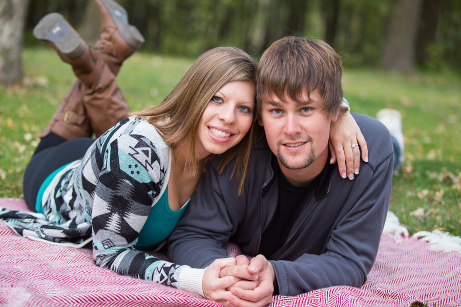 Whippoorwill Photography Outdoor Engagement Photography New London Minnesota11.jpg