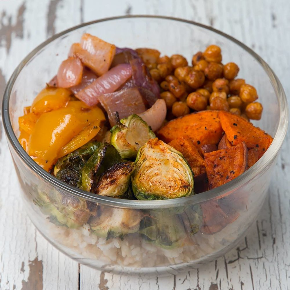Some simple tasty meal prep options to fuel your way through the rest of the Open. Check out these (vegetarian) grain bowls - add your protein of choice if desired:   Vegetarian Grain Bowls