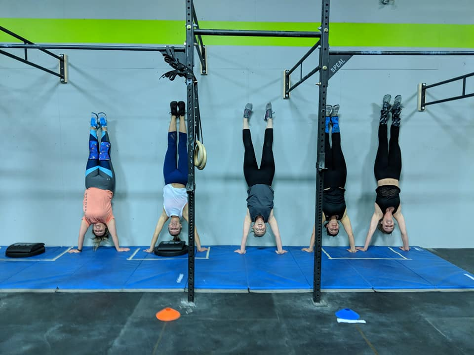 Looking to improve your control and performance while upside-down? Try these Handstand Push-Up Mobility Drills:   HSPU Mobility Drills