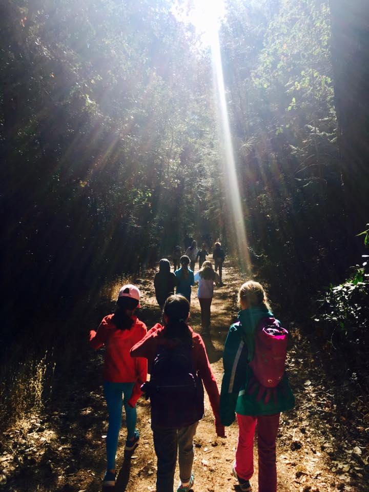 hiking kids.jpg