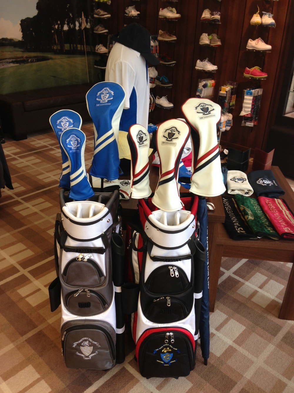 HKGC 125th Golf Bag and Headcovers display.JPG
