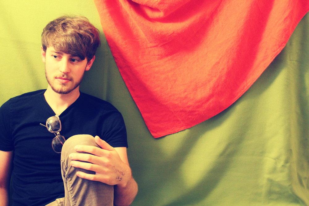 lucasbedroom3vntg.jpg