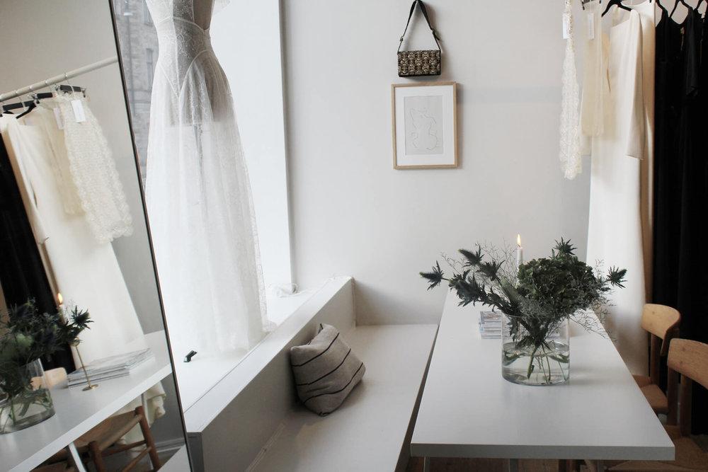 adornmentstudios.coture.bridal.studio