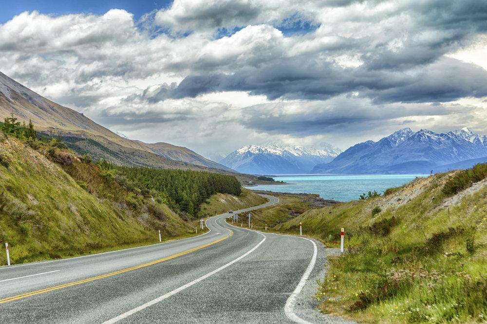 Drive along Lake Pukaki, NZ