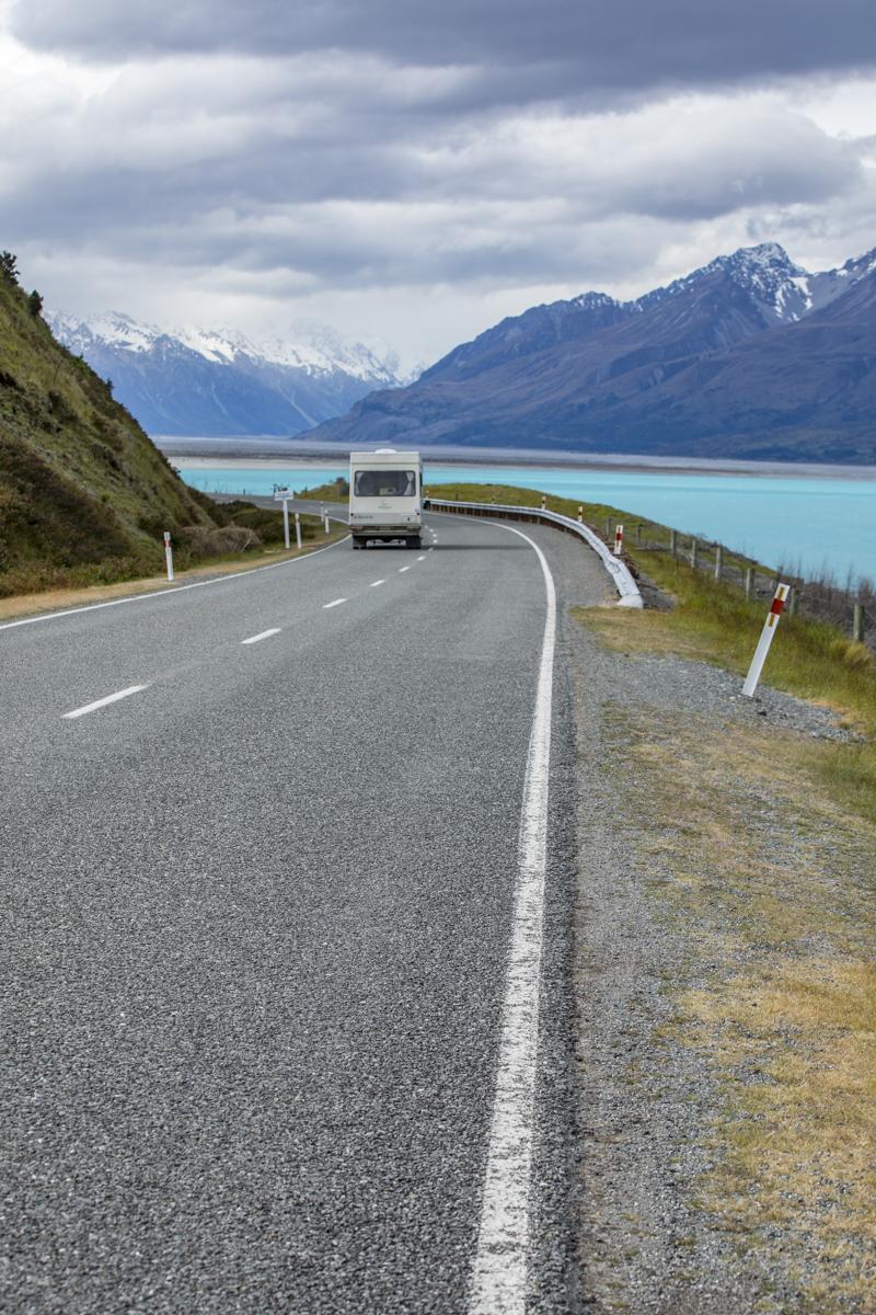 Road to Mt Cook along Lake Pukaki