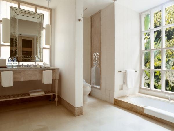uma-by-como-bathroom-bali